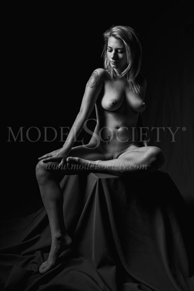 Artistic Nude Photo by Photographer Richard Evans Photography