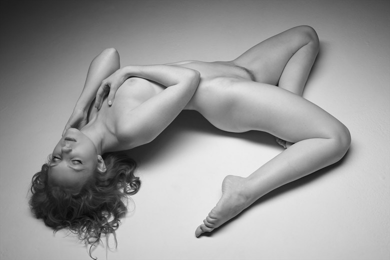 Artistic Nude Photo by Photographer Richard Maxim