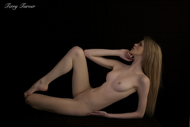 Artistic Nude Photo by Photographer Terry Turner