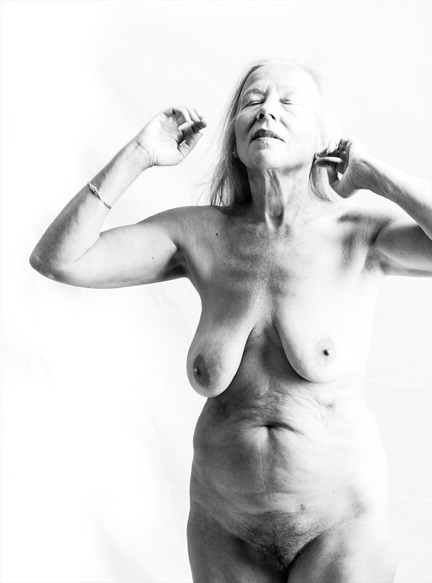Artistic Nude Photo by Photographer Xander