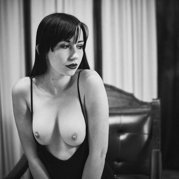 Artistic Nude Portrait Photo by Photographer Edward Maesen