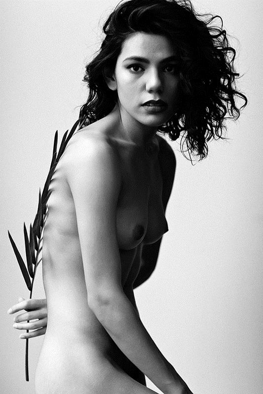 Artistic Nude Portrait Photo by Photographer TamN