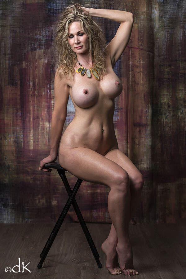Artistic Nude Sensual Photo by Model Sirsdarkstar
