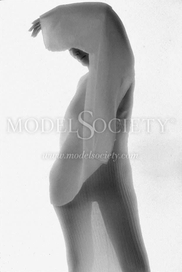 Artistic Nude Sensual Photo by Photographer ewe