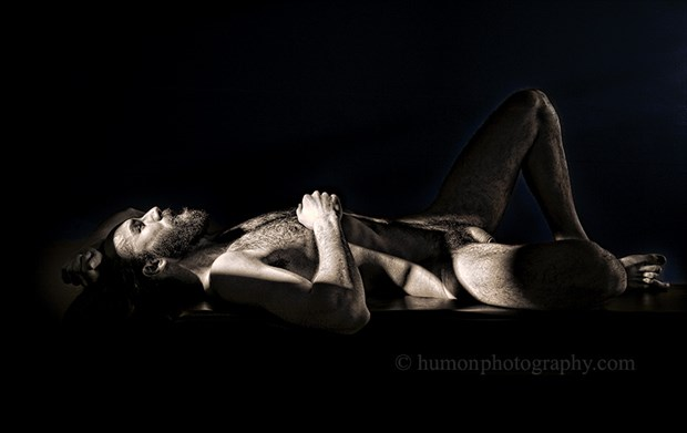 Artistic Nude Studio Lighting Artwork by Photographer humon photography