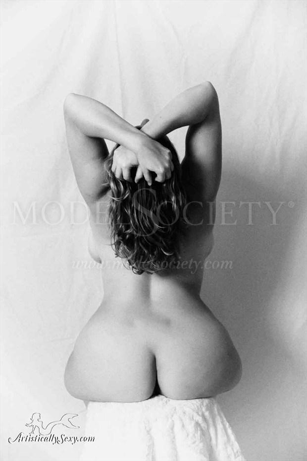 Artistic Nude Studio Lighting Photo by Model Curvy Krista