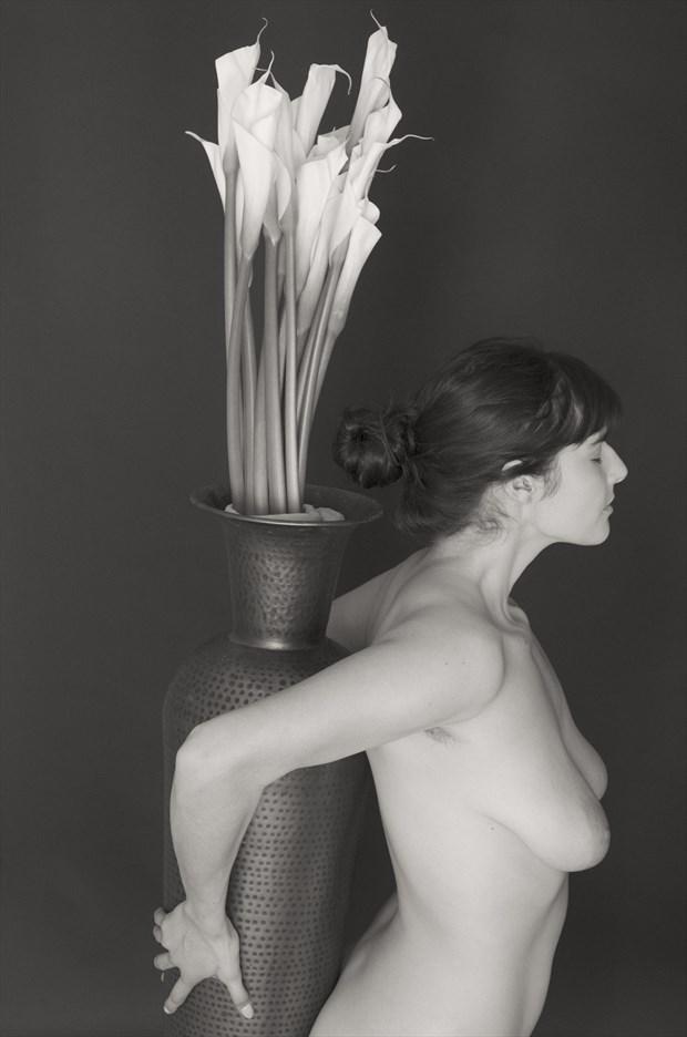 Artistic Nude Studio Lighting Photo by Model Mayatihtiyas