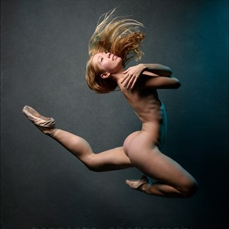 Artistic Nude Studio Lighting Photo by Model PoppySeed Dancer