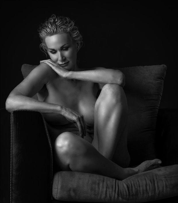 Artistic Nude Studio Lighting Photo by Model Sirsdarkstar