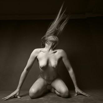 Artistic Nude Studio Lighting Photo by Photographer CurvedLight
