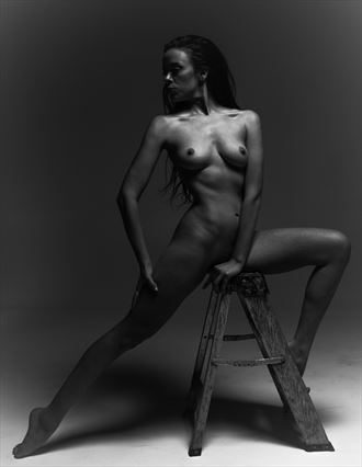 Artistic Nude Studio Lighting Photo by Photographer Lonnie Tate
