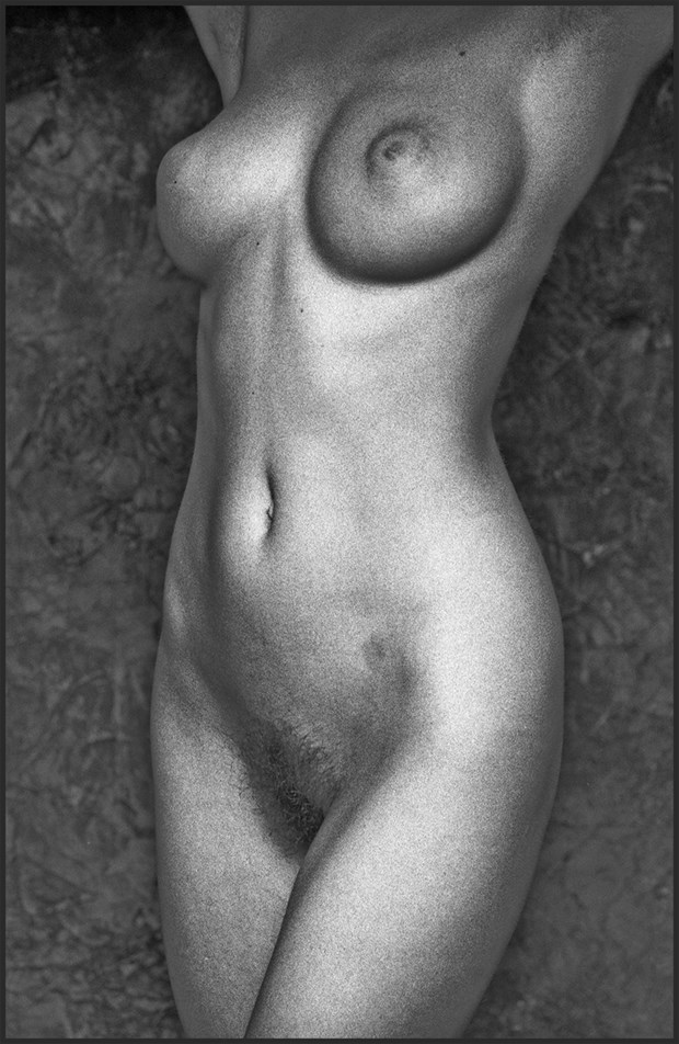 Artistic Nude Studio Lighting Photo by Photographer MHMSchreiber.photo