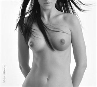 Artistic Nude Studio Lighting Photo by Photographer Pekne foto