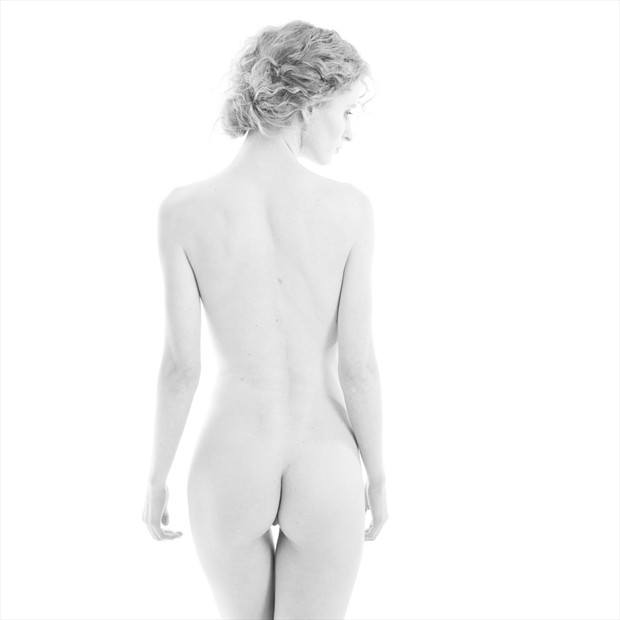 Artistic Nude Studio Lighting Photo by Photographer iworlddesign