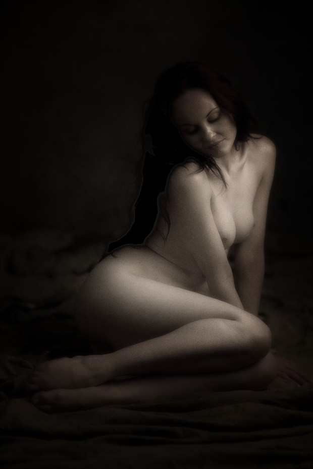 Artistic Nude Vintage Style Photo by Photographer Dare Images