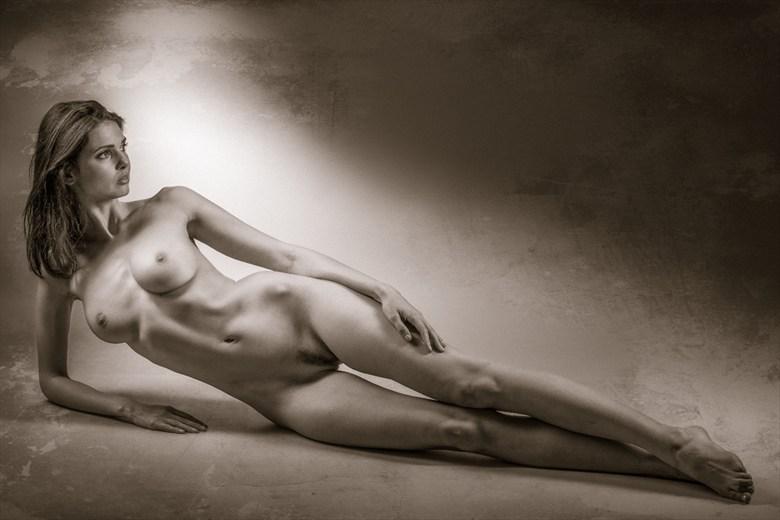 Artistic Nude Vintage Style Photo by Photographer MaxOperandi