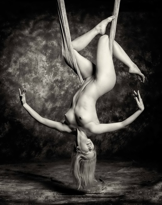 As Above, So Below Artistic Nude Photo by Model Fanny