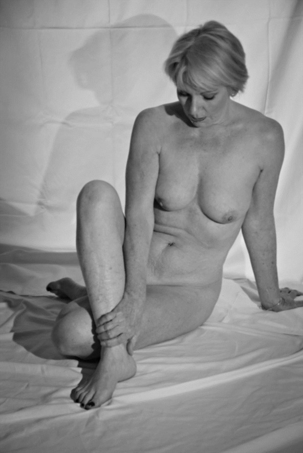 As simple as it gets...... Artistic Nude Photo by Model Jana