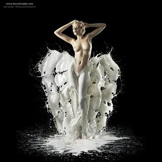 Aurum Light Milk Workshop Artistic Nude Photo by Model Meluxine