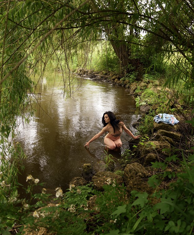 Aylin at the river bend Artistic Nude Photo by Photographer Anchorphoto