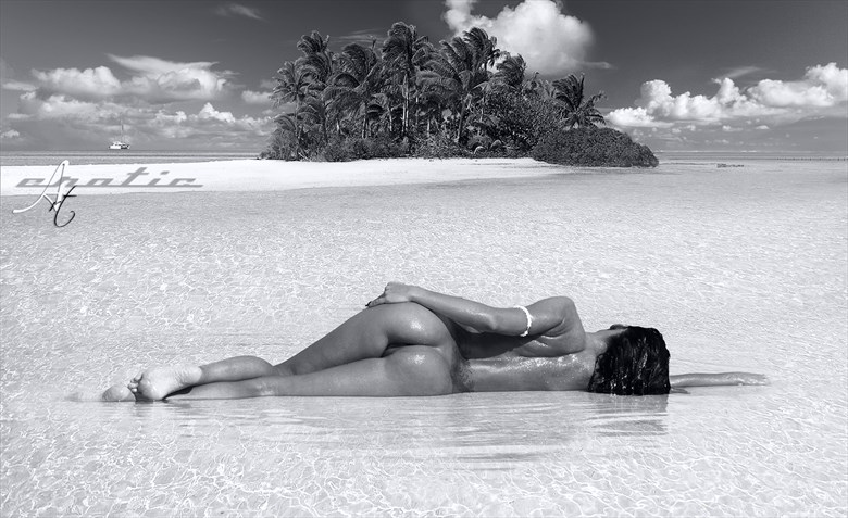 BAHAMAS Shooting with beautiful Lucretia Cococay island Artistic Nude Photo by Photographer ArtErotic