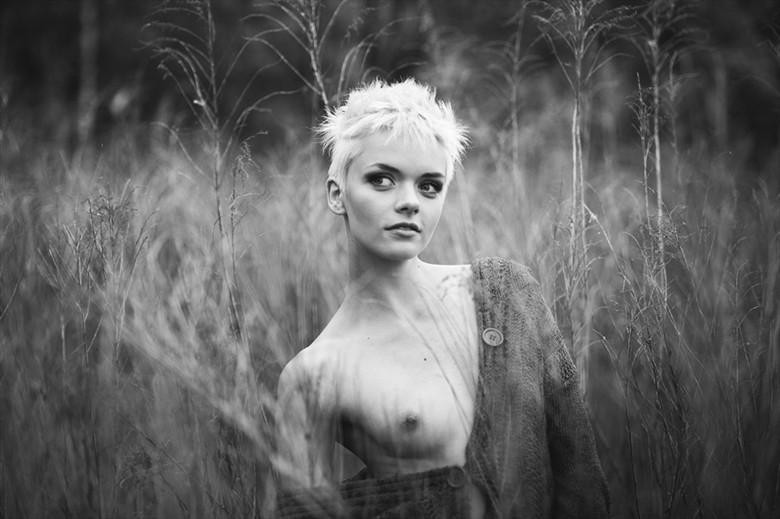 BW Artistic Nude Photo by Photographer Pavel Ryzhenkov