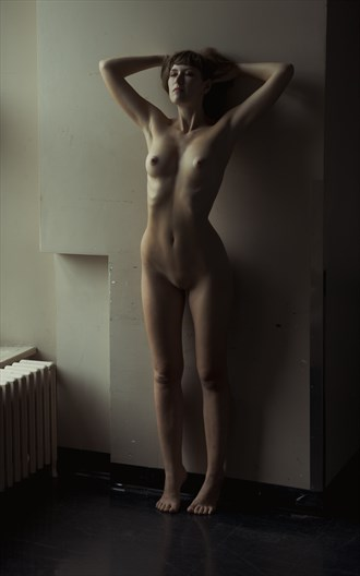 Back to the wall Artistic Nude Photo by Photographer Jyves