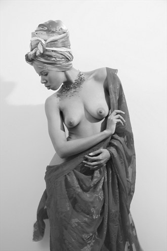 Badu Ism Series Artistic Nude Photo by Photographer Rahndevue