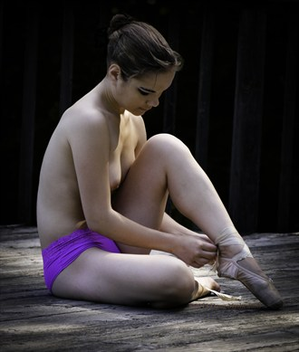 Ballet dancer Artistic Nude Photo by Photographer Beure