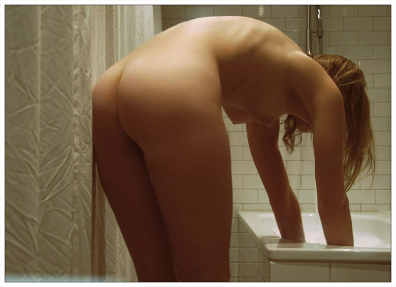 Bath2 Artistic Nude Photo by Photographer vadsomhelst