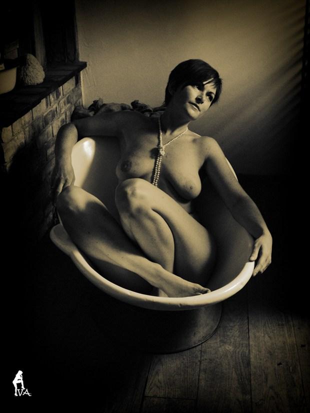 Bathing Beauty Artistic Nude Photo by Model Laura J Draycon