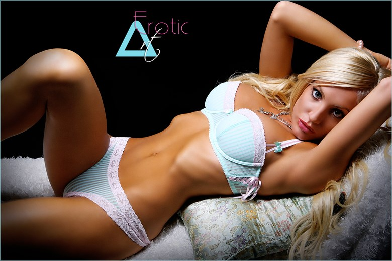 Bautiful DC Agustina Lingerie Photo by Photographer ArtErotic
