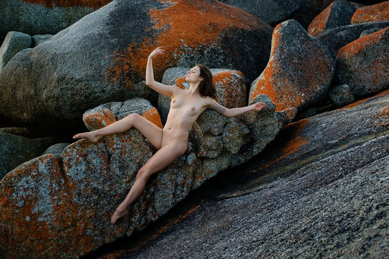Bay of Fires by Cam Attree Artistic Nude Photo by Model Sass Kia