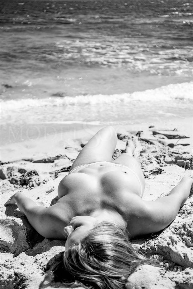 Beachy Artistic Nude Photo by Photographer ITZU