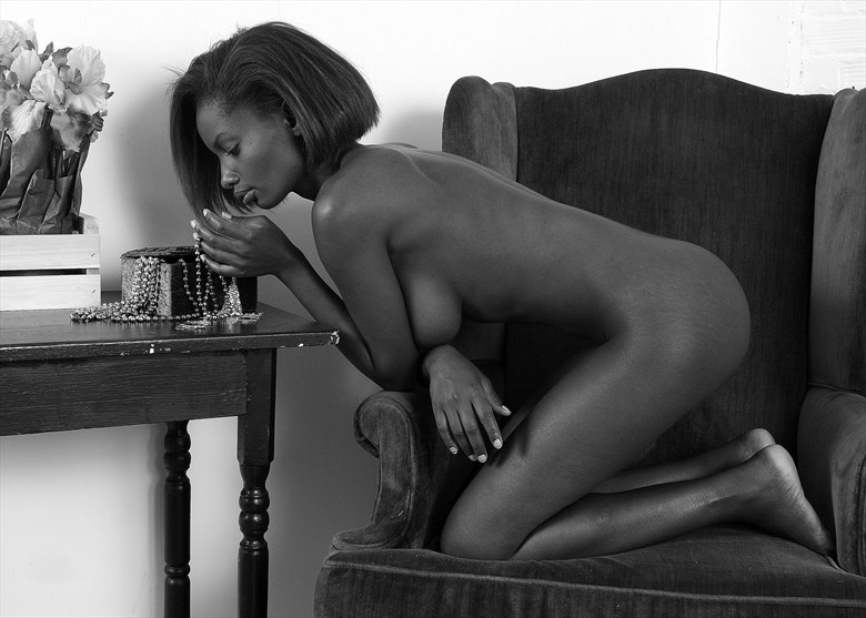 Beads and angles Artistic Nude Photo by Photographer silverline images