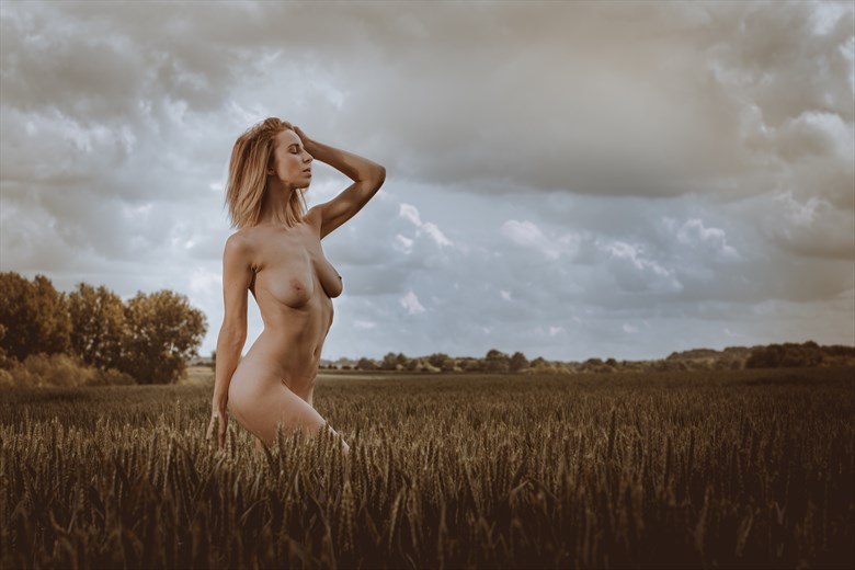 Before The Rain Artistic Nude Photo by Photographer MelPettit