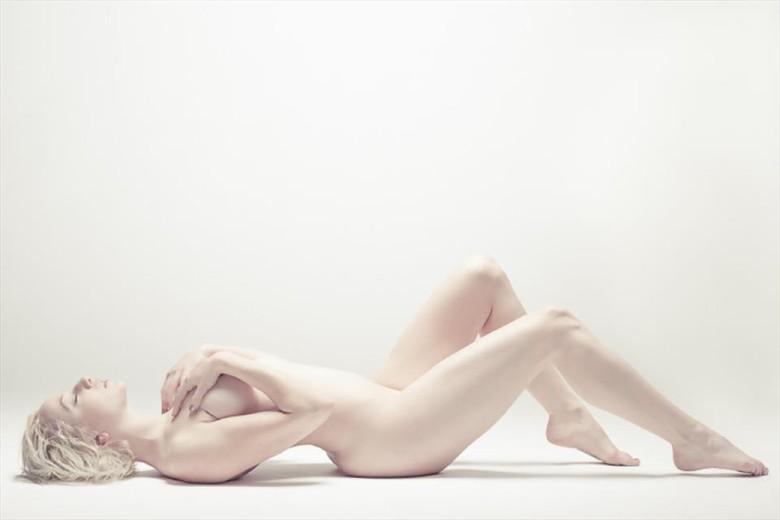 Beginnings Artistic Nude Photo by Model Jin N Tonic