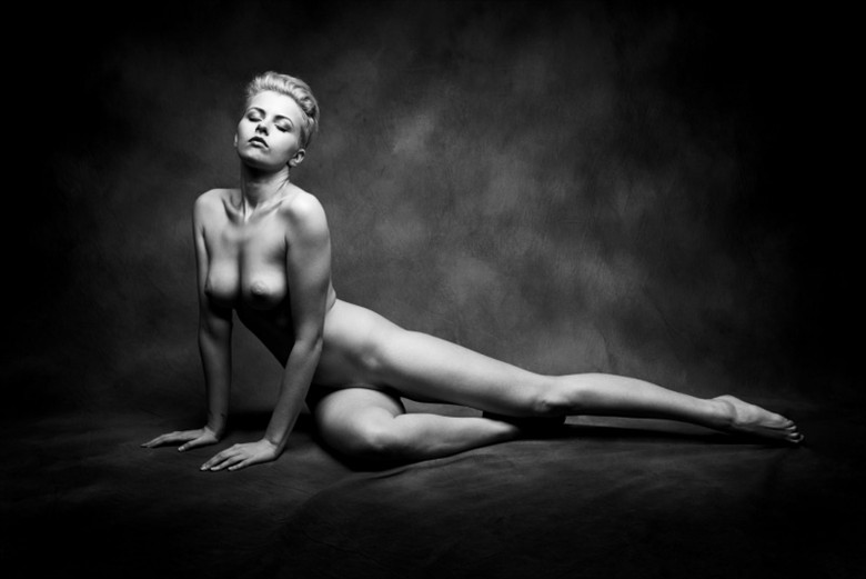 Bjorn Hansen Artistic Nude Photo by Model Meluxine