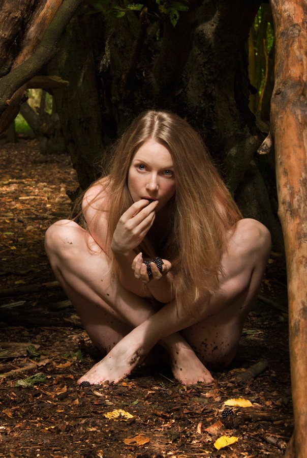 Blackberry Eater Artistic Nude Photo by Model Muse