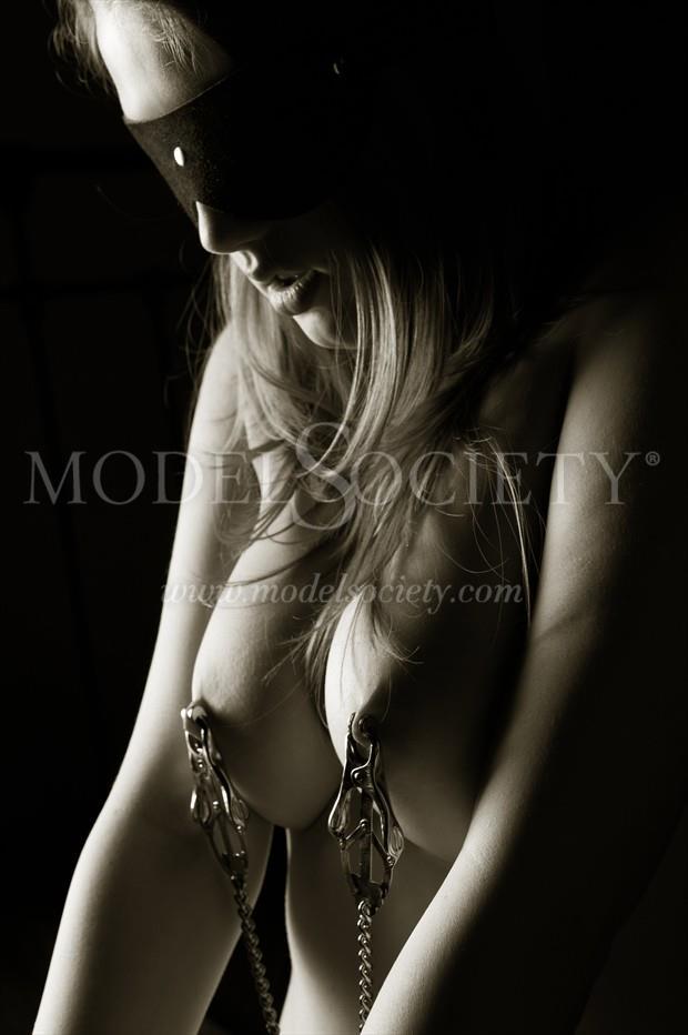 Blindfolded pain Erotic Photo by Photographer John Tisbury
