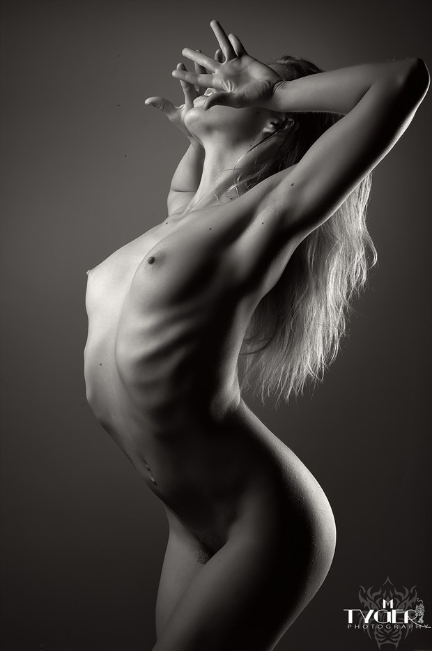 Breathe Artistic Nude Photo by Photographer mtygerphoto