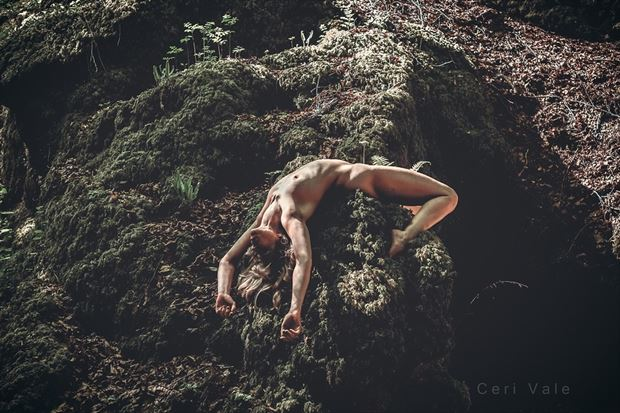 Broken Artistic Nude Photo by Model Selkie
