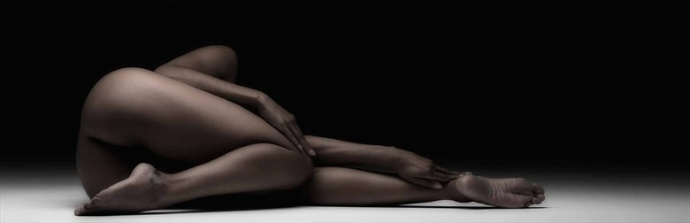 Bronze shape Artistic Nude Photo by Photographer BenErnst
