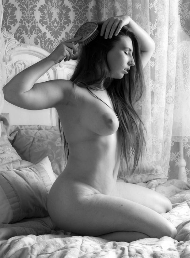 Brush Artistic Nude Photo by Photographer Nomad