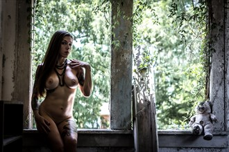 By Vultures Image Artistic Nude Photo by Model Missdemeanor13