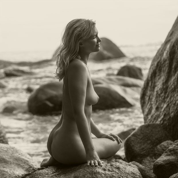 By the sea Artistic Nude Photo by Photographer dml