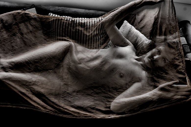 Can you see me%3F Artistic Nude Photo by Photographer KMPA