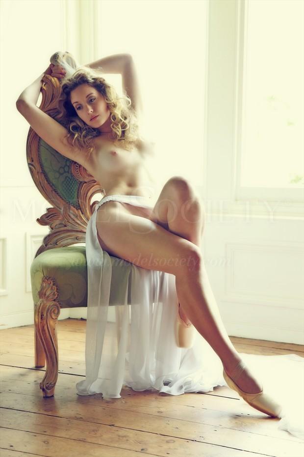 Cascades of Light Artistic Nude Photo by Photographer MaxOperandi