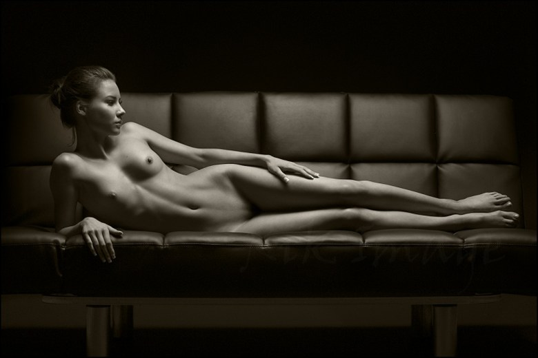 Charlie  Artistic Nude Photo by Photographer Rik Williams