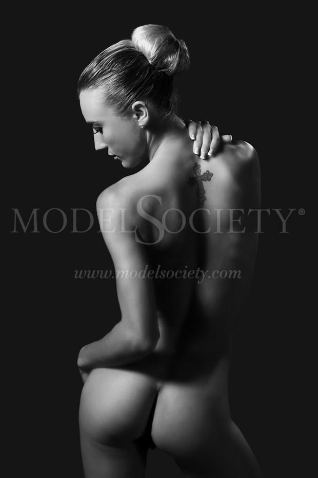 Chelsea Jo Artistic Nude Photo by Photographer Richard Evans Photography